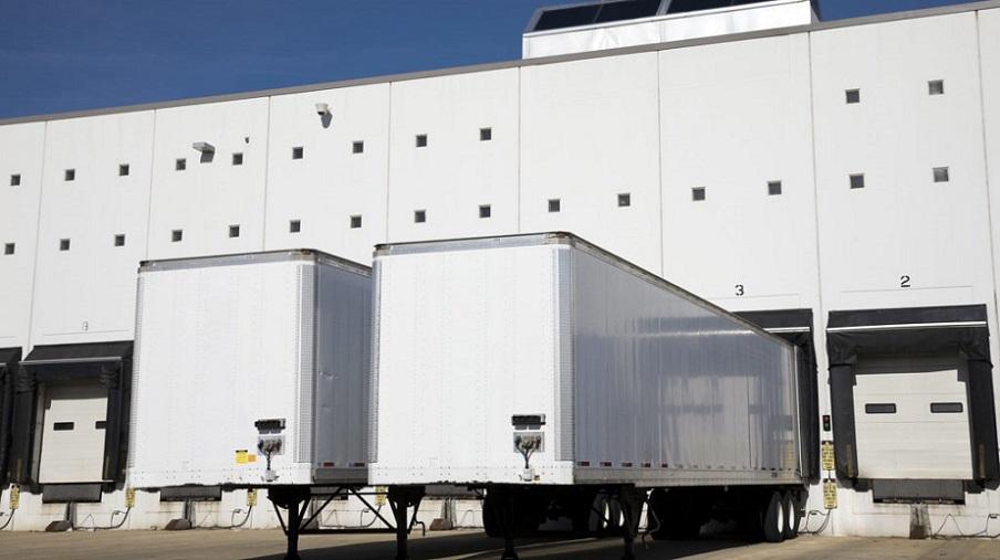 Drop trailer vs live loads
